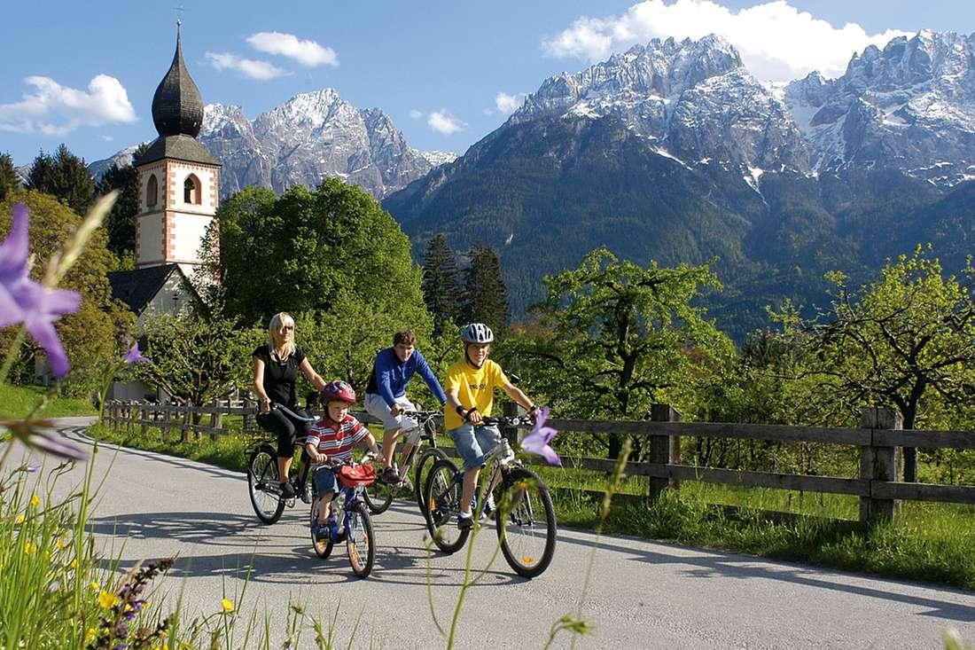 ferienwohnungen-hauser.at.sommer-Radfahren